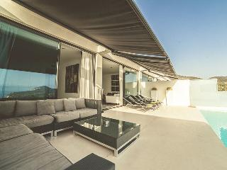 Perfect Villa with Internet Access and Dishwasher - Cala Carbo vacation rentals