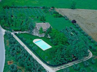 Incantevole Umbria Country Home - Massa Martana vacation rentals