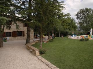 Umbria Country Home - Incantevole Umbria - Massa Martana vacation rentals