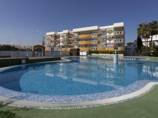 PINTORESCO - Property for 5 people in PLAYA DE OLIVA NOVA - Molinell vacation rentals