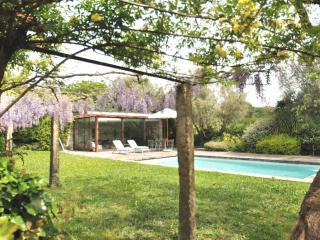 PONTE de LIMA - HEATED CHILD SAFE POOL - WALKING DISTANCE TO BEACH, RIVER, TOWN - Ponte do Lima vacation rentals
