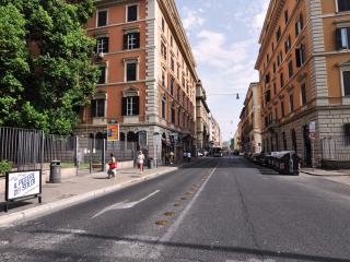 Flatinrome Termini 2 - Rome vacation rentals