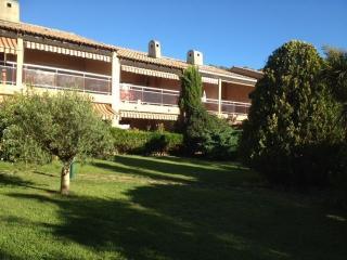 Appartement 6 places dans résidence avec piscine - Le Pradet vacation rentals