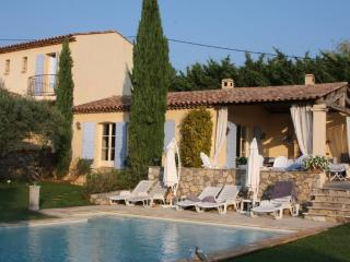 Villa with Heated Private Swimming Pool - Salernes vacation rentals
