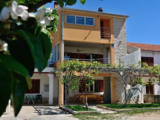 Nice 1 bedroom Condo in Sukosan - Sukosan vacation rentals