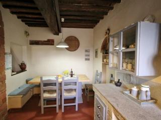 Cozy 3 bedroom Crespina House with Internet Access - Crespina vacation rentals