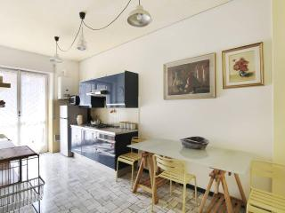 New, comfortable and cheap flat close to metro - Milan vacation rentals