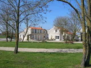 2 bedroom Gite with Internet Access in Ardillieres - Ardillieres vacation rentals