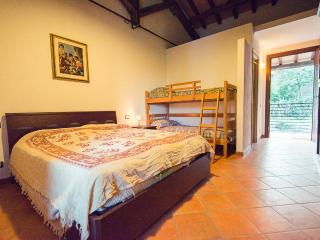 cascina di sotto - Camera 1 - Rome vacation rentals