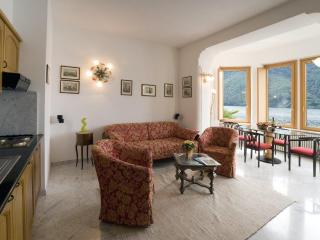 1 bedroom apartment on Lake Lugano - San Mamete Valsolda vacation rentals