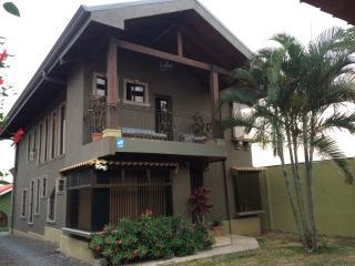 Tambor Apartment-Free Aip Shuttle - Alajuela vacation rentals