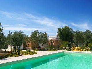 257Esclusiva Villa con Piscina - Torre Mozza vacation rentals