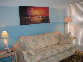2 bedroom House with Shared Outdoor Pool in Wildwood - Wildwood vacation rentals