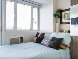 Bay View Condo at SoleMare Parksuite - Paranaque vacation rentals