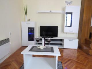 Mara's House - Privlaka vacation rentals