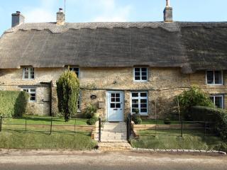 Beachspoke - Yarrow Cottage - Oxfordshire vacation rentals