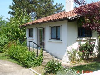 Maison indépendante dans quartier calme - Bassussarry vacation rentals
