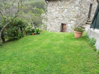 Nice Cottage with Grill and Towels Provided - Ricco del Golfo di Spezia vacation rentals