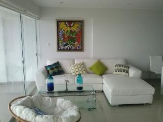 Perfect Condo with Short Breaks Allowed and Elevator Access - Lima vacation rentals