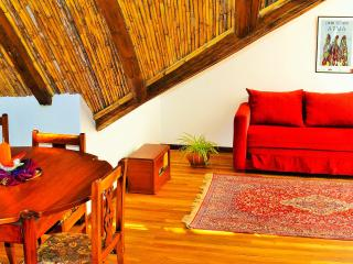 2 bedroom Townhouse with Internet Access in Cuenca - Cuenca vacation rentals