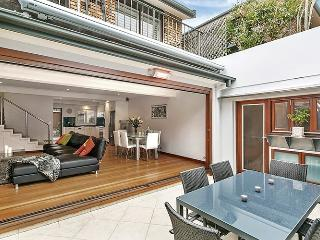 DRUM1- 2 Bedroom in the heart of Drummoyne - Drummoyne vacation rentals