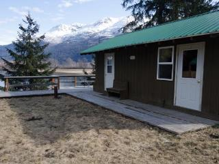 Nice 1 bedroom Haines Bungalow with Internet Access - Haines vacation rentals