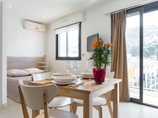 6 bedroom Resort with Internet Access in Saint-Laurent du Var - Saint-Laurent du Var vacation rentals