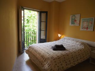 Affordable & Bright 2 bedroom apartment Old town - Girona vacation rentals