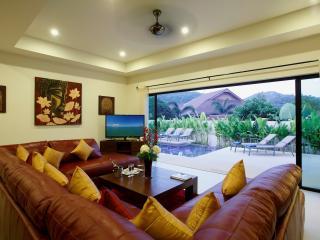 RUBY: 3 Bedroom, Private Pool Villa near Beach - Nai Harn vacation rentals