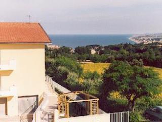 Grazioso Appartamento Panoramico - Sirolo vacation rentals