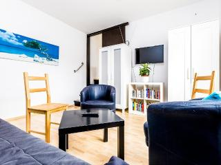 49 Center house in Cologne Weidenpesch with 3rooms - Cologne vacation rentals