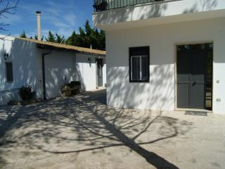 Cozy 3 bedroom House in Comiso with Deck - Comiso vacation rentals