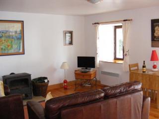 1 bedroom Gite with Dishwasher in Plouguenast - Plouguenast vacation rentals
