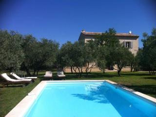 Nice House with Internet Access and Satellite Or Cable TV - Cavaillon vacation rentals
