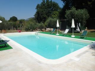 Appartamento in villa tra gli ulivi con piscina - Sonnino vacation rentals
