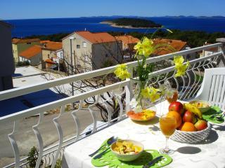 Apartment Joy Bilo for 2 with sea view - Primosten vacation rentals