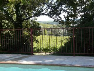 Convenient 4 bedroom Vinsobres House with Balcony - Vinsobres vacation rentals