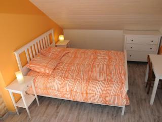 chambres aquarelle,  table d'hôtes Morcenx Landes - Morcenx vacation rentals