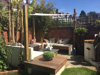 Beautiful Garden Flat in Brighton - Brighton vacation rentals