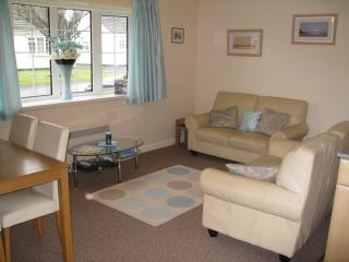 Gower Holiday Bungalow, pool, play areas - Scurlage vacation rentals