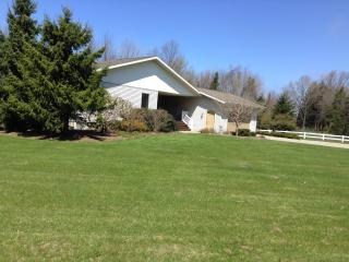 Beautiful Property Near the Lakshore - South Haven vacation rentals