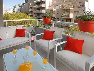 GREAT 2-BEDROOM APARTMENT w/BALCONY & POOL (EP2) - Buenos Aires vacation rentals