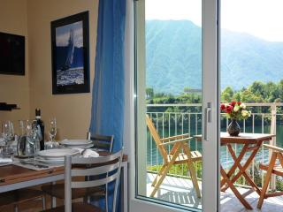 Bright 2 bedroom Apartment in Ossuccio with Internet Access - Ossuccio vacation rentals
