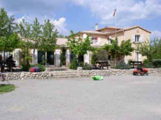 2 bedroom Caravan/mobile home with Internet Access in Laragne-Montéglin - Laragne-Montéglin vacation rentals