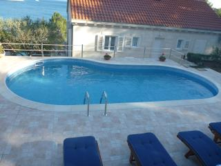 5 bedroom Villa with Internet Access in Sumartin - Sumartin vacation rentals