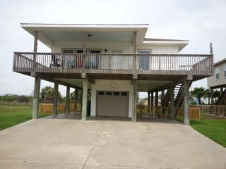 Walk to the beach at Pets okay Beach Bum Hideaway - Galveston vacation rentals