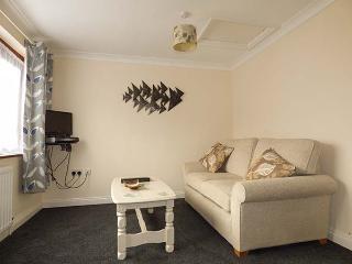 FINCHES, all ground floor, en-suite, off road parking, shared gardens, in Thetford, Ref 923004 - Thetford vacation rentals