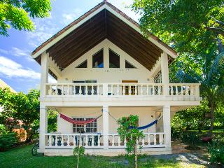 Yellow Flower House Upper - Roatan vacation rentals
