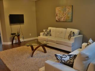 Summerside Basement Suite, sleeps up to 4, wifi - Edmonton vacation rentals