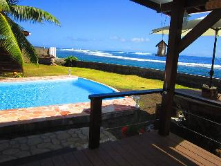 Tahiti Surf Beach Paradise Matahina - Papara vacation rentals